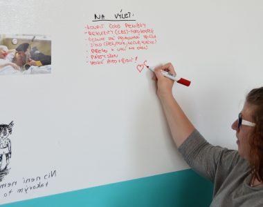 Chytrá zeď podporuje Ligu vozíčkářů